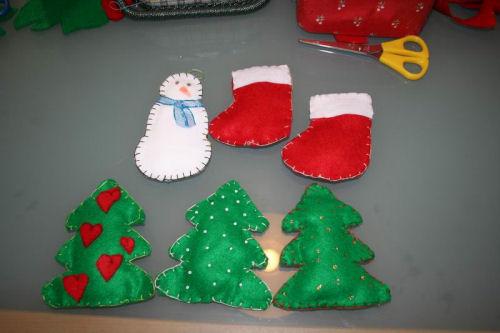 Lavoretti di natale da fare con i bambini mammeonline for Decorazioni natalizie per bambini scuola primaria