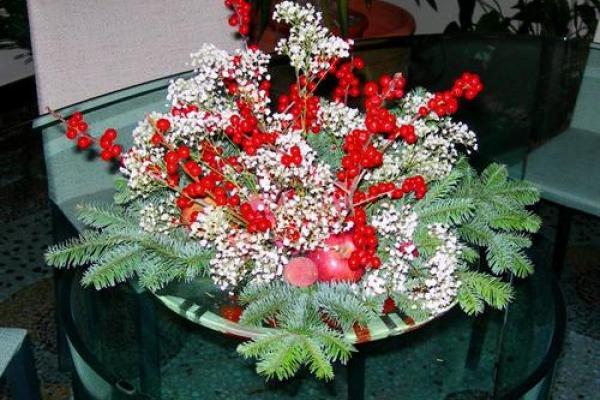 Creare il centro tavola per natale mammeonline - Centro tavola natalizio con pigne ...